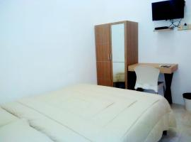 Sindoro Guest House, guest house in Tegal