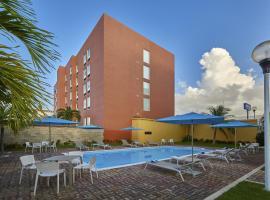 City Express Junior Cancun, hotel near Universidad Anahuac Cancun, Cancún