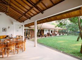 Harny's Garden Villa, holiday home in Cangkiran