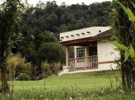 Hotel Bosques del Sol Suites, hotel near La Merced Church, San Cristóbal de Las Casas