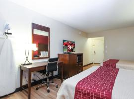 Evergreen Inn & Suites Portland, motel in Portland