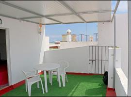 Habitación Velarde, hotel in Conil de la Frontera