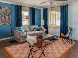 3BR Home | Private Pool | Garage by WanderJaunt, villa in Phoenix