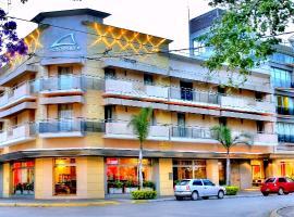 Hotel Plaza, hotel in Colón