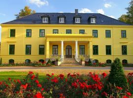 Gutshaus Harkensee, Hotel in Dassow
