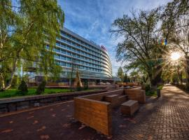 Almaty Hotel, hotel near Boluan Sholak International Exhibition and Sports Centre, Almaty
