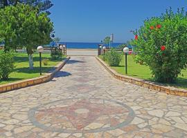 Raptis Apartments, hotel near Archaeological Museum of Nikopolis, Ligia