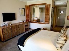 Windhoek Country Club Resort, resort in Windhoek