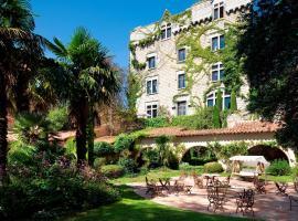 Château De Riell, hotel in Molitg les Bains