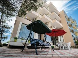 Hotel Villa Aljor, hotel in Golem