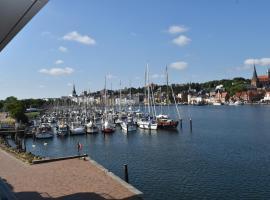 Loft 5 - Urlaub direkt an der Förde, hotel i nærheden af Flensborg Havn, Flensborg