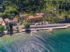 Albergo Del Garda, hotel in Torri del Benaco