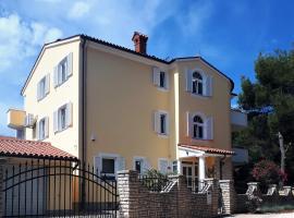 Ribarska Koliba - Villa Marija, hotel near Lungomare, Pula