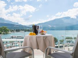 Exclusive Suites Riva, apartment in Riva del Garda