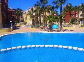 Beautiful 3 bed, 2 bath modern apartment, hotel en Los Alcázares
