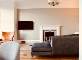 Modern luxury 2 bed with a view, hotel near St Andrews - Strathtyrum Course, St. Andrews