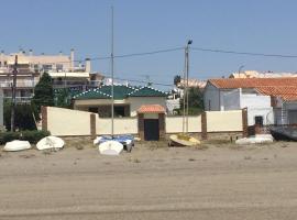 A orillas del mar, villa in Torre de Benagalbón