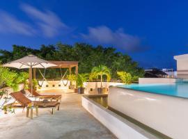 Quinta Margarita - Boho Chic Hotel, hotel near Kool Beach Club, Playa del Carmen