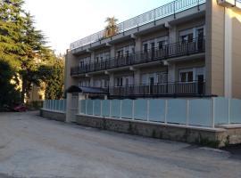 Casa Ospitalità San Giuseppe, bed & breakfast a L'Aquila