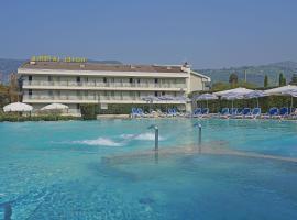 Hotel La Perla - Bike Hotel, hotel in Garda