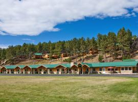 Rock Crest Lodge & Cabins, hotel v destinaci Custer