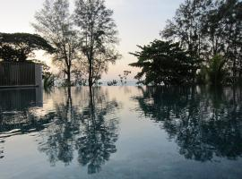 By The Sea Suites - Managed by SDB Host, homestay in Batu Ferringhi