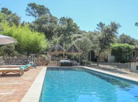 Luxury & Relaxing Private Pool, hotel in Entrecasteaux