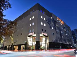 Signature Lux Hotel By ONOMO, Sandton, hotel in Johannesburg