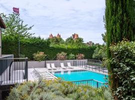 Mercure Carcassonne Porte De La Cité, hotel in Carcassonne