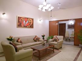 Enbliss: Ground Floor bungalow in South Delhi, apartment in New Delhi