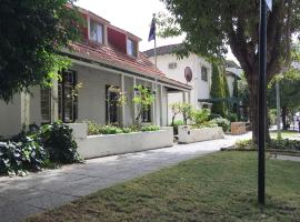Charming Federation style home minutes from CBD, pet-friendly hotel in Perth