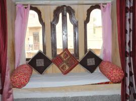 Ratan Hostel, hotel in Jaisalmer