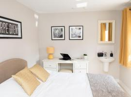 Pinehill Rooms, hotel in Reading