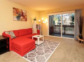 Cozy 2 bed 2 bath with AC, washer, dryer condo near Santana Row, apartment in San Jose