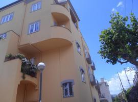 B&B San Michele, hotel near Piano di Sorrento Circumvesuviana Train Station, Piano di Sorrento