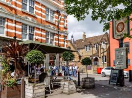 Orange Tree, hotel near Boston Manor Tube Station, Richmond upon Thames