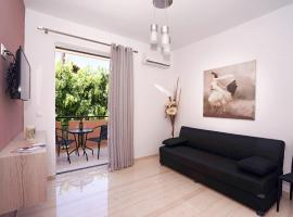 Sunset Apartments & Studios, family hotel in Rethymno Town