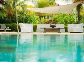 Eden Island Dolce Vita Luxury Villa 235, hotel in Eden Island