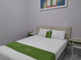 de' GREEN Cibubur, guest house in Cibubur