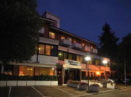 Hotel & Residence Dei Duchi, отель в Урбино
