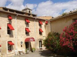 Hotel du Centre, hotel near Crocodile Farm, Pierrelatte
