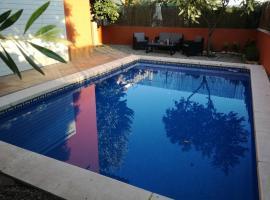 Casa Ferriols 2.0, hotel a prop de Camp de golf Peralada, a Peralada