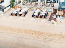 Bahia Hotel & Beach House, hotel in Cabo San Lucas