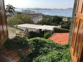 Guest house with stunning view, hotel in Rio de Janeiro