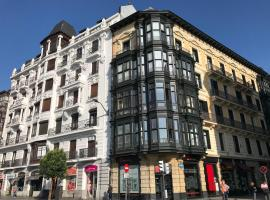 Apartamento en el centro de Bilbao, hotel cerca de Estación de tren Abando, Bilbao