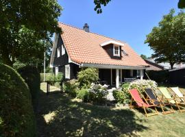 Splendid Holiday Home in Domburg with Parking, Ferienhaus in Domburg