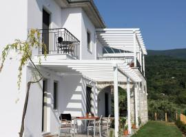 Moses Villa, serviced apartment in Chorefto