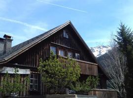 Chalet St Jakob, pet-friendly hotel in Sankt Anton am Arlberg