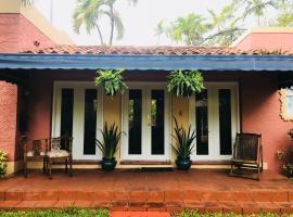 Beautiful Spanish Residence in Coconut Grove, hotel perto de Vizcaya Museum, Miami