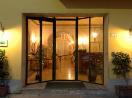 Hotel Moderno, hotel near Pisa International Airport - PSA, Pisa